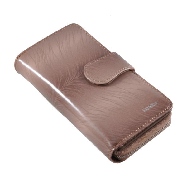 Patrizia púder színű lakkbőr pénztárca, álló fazon FF116
